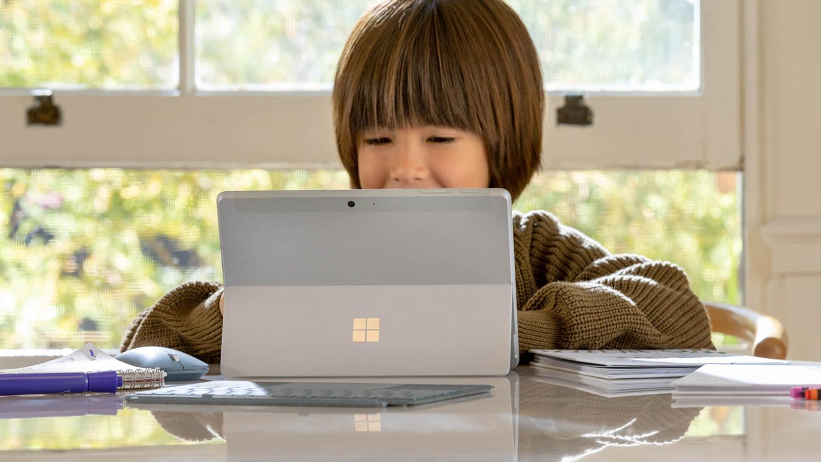 小巧轻薄的二合一笔记本电脑